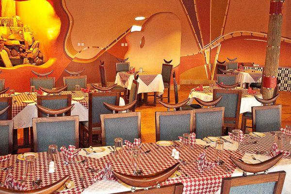dining-room0AEBB1C1-6DDF-C8E5-234B-400DF41479A8.jpg