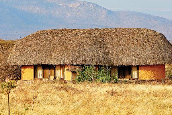 samburu-cottages46BBAF8E-B387-E2D4-B421-69B2D62AA373.jpg