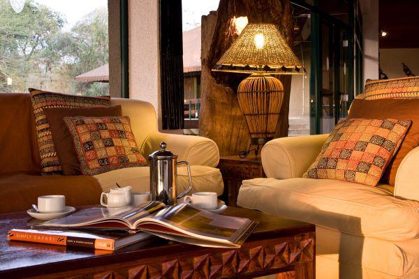 lounge-2C43FD2E2-C395-739F-F584-629FAF7D0398.jpg