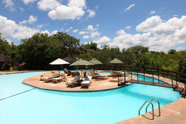 swimming-pool-20DA7DE68-BC07-24F0-4671-86745BA80A82.jpg